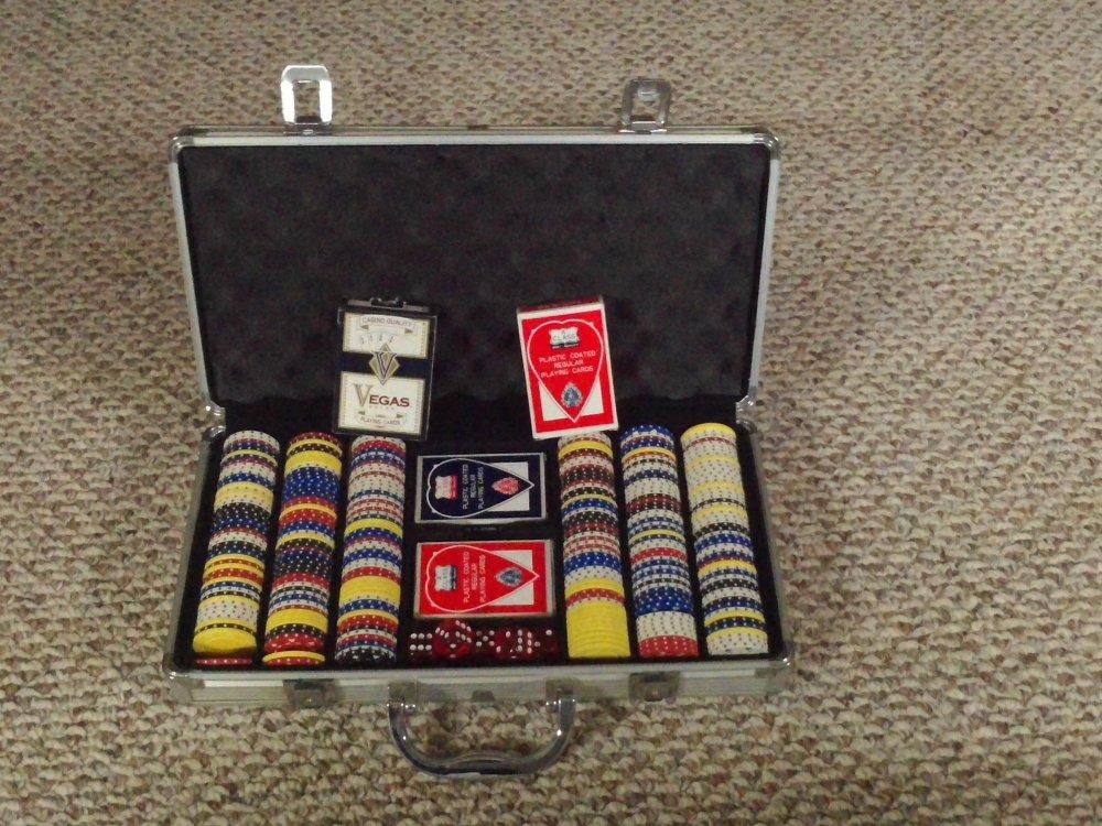 poker  dice set.jpg